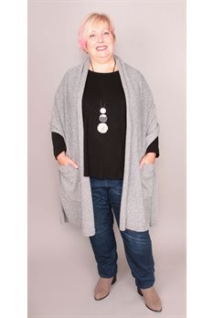 Reader's Wrap with pockets